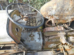 Farming past (i) (Landstrider1691) Tags: tractor farm ferguson oldmachinery farmvehicle farmmachinery