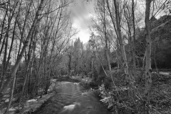 Segovia landscape (Enrique J. Mateos Mtnez) Tags: bn bw blancoynegro longexposure landscape lucroit hitech irndprostop10 segovia rio river samyang14mm spain alcázar canon6d