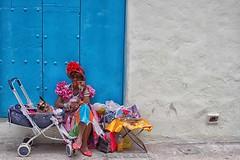 signora si nasce (mat56.) Tags: donna donne woman women vecchia old ritratto portrait passeggino gatto cat pushchair colori colors lavana cuba signora lady madam sigaro cigar cigarillo lahabana caraibi antonio romei mat56 candid