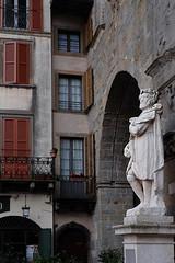 Piazza Vecchia / Bérgamo (12) / Itàlia / Italia (Ull màgic (+1.000.000 views)) Tags: bérgamo itàlia italia nucliantic plaça escultura edifici arquitectura façana arc porta balcons fuji xt1