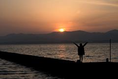 Thank you(ありがとう) (daigo harada(原田 大吾)) Tags: silhouette kanzanji lake hamana 浜名湖 舘山寺 シルエット sunset 夕日 people