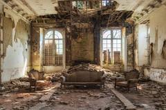 Entrailles (Photonirik) Tags: vert urbex decay urban exploration oblivion abandoned abandonné oubli forgotten ue dust congo