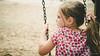 En las hamacas (M. Andrea de Castro) Tags: niña hamacas