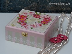 Intermediate Decoupage Workshop: How to Decorate a Striped Box (Smile Arty) Tags: gift present vintage handmade decoupage crafts arts workshop diy stripes box decoration intermediate