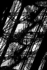 Eiffel Tower, Paris, France (pas le matin) Tags: monochrome bw nb blackandwhite noiretblanc architecture tower tour acier steel eiffeltower toureiffel eiffel paris france europe europa world travel city capital ville capitale canon 5d 5dmkiii canon5d canon5dmkiii eos5dmkiii canoneos5dmkiii