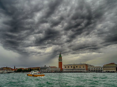 Cloudy clouds (Luana 0201) Tags: venice italy doges palace palazzo dogale tower campanile campaniledisanmarco boat clouds