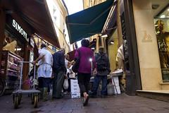 "Bologna (Italy) - Il ""quadrilatero"" - Via Drapperie (Massimo Battesini) Tags: bologna emiliaromagna italia it nationalgeographic worldtrekker worldcitycenters olympusem10markii olympus em10markii mzuikodigitaled12503563ez zuiko olympus1250mmf3563 market marché mercato bazar bazaar centrostorico zentrum centreville centromedievale centremédiéval medievalcenter centromedieval città ville city stadt town ciudad photographiederue streetphotography fotografiaderua photosdelavie escenacallejera pescheria poissonerie poisson poissons pesci pesce pescado ilquadrilatero viadrapperie italy italie italien europe europa"