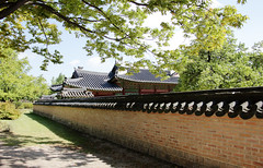 IMG_6721_RAW (jeremy!) Tags: seoul korea southkorea gyeongbokgungpalace 경복궁 canoneosrebelt1i canon1740mm