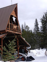 A-frame with star (lmundy2002) Tags: dogs dogsled dogsledding huskies sleds whitefish olney whitefishmt olneymt montana mt winter wintersports