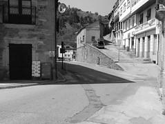 Choose your route, Villafranca del Bierzo (amgirl) Tags: elbierzo april abril 2017 walking split choice valleyrouteorridgeroute villafrancadelbierzo road climb caminodesantiago caminofrances camponarayatopereje april20 day22 mirror steps bar desayuno open