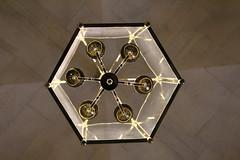 IMG_2764 (valentinperrier) Tags: versailles chateaudeversailles lustre lumière effet