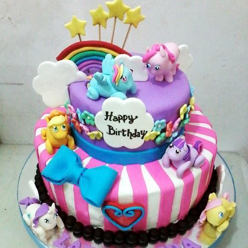 Birthday Cake Tingkat Tema Karakter My Little Pony Jakarta
