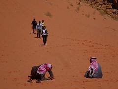 WadiRum_BedouinAndTourists (Sanet_Alacant) Tags: jordania jordan desert desierto wadi rum sunset bedouin