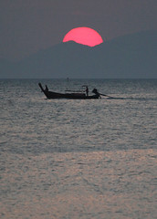 THAI SUNSET (dayvmac) Tags: sunset beach hailand sounthern thailand krabi