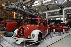 Technik Museum Speyer (Germany) (wimjee) Tags: nikond7200 d7200 speyer germany duitsland 1855mmf3556gvr technikmuseum technik museum magirusdeutz brandweerauto firetruck classic car klassiek auto