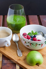 Breakfast with green smoothie (vas_eka) Tags: chef cooking cuisine delicious food foodphoto foodstyling foodie homemade stylish tasty smoothie frühstück breakfast