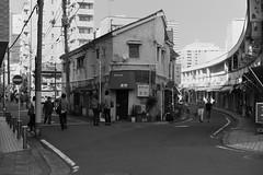 横濱エレジー (memories of time) Tags: japan yokohama noge street people town