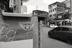 Thong Lo - Bangkok (jcbkk1956) Tags: street thonglo bangkok thailand mono blackwhite nikon d3300 nikkor 18140mmf3556dx traffic car streetf sticker graffiti dof motion worldtrekker