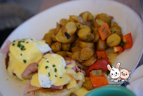 DK Benedict | berkshire ham | Blood orange hollandaise | skillet potatoes