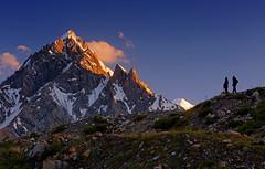 Baintha: Skylined by the sunset (Shahid Durrani) Tags: tongo baintha biafo glacier baltistan gilgitbaltistan karakorams karakoram sunset alpenglow pakistan