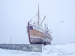 Stuck Vessel (Siglufjordur, Iceland. Gustavo Thomas © 2017) (Gustavo Thomas) Tags: vessel ship barco snow cold winter northerniceland islande islandia white travel northpole europe voyage