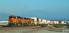 2014-09-21 Devore CA BNSF6716 ES44C4 (maximaguy97) Tags: locomotive ge generalelectric gevo es44c4 bnsf bnsf6716 devore california cajon cajonpass intermodal