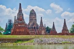 Wat Chai Watthanaram by the Chao Phraya river in Ayutthaya, Thailand (UweBKK (α 77 on )) Tags: wat chai watthanaram ayutthaya chao phraya river temple ruins religion religious buddha buddhist buddhism thailand southeast asia architecture chedi water flow sky clouds sony alpha 77 slt dslr