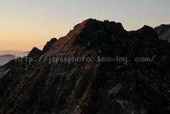 (finalistJPN) Tags: mornig sunrise morgenrot dawn hutte lodge japanalps mthotaka kamikochi nationalpark discoverychannel nationalgeographic greatwall giantcliff bigcliff climbing climbers bouldering attacking greatsummits discoverjapan lonelyplanet planetearth tripadvisor travelguide japanguide japanphoto stockphoto