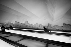 . ([ changó ]) Tags: napoli wwwriccardoromanocom bw bn blanco negro bianco nero black white byn blackandwhite people person persona gente persone street shot streetshot metro undreground stairs scale scalemobili scalamobile escalator hat cappello toledo