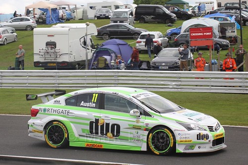 Rob Austin in BTCC action at Oulton Park, May 2017