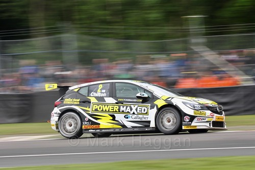 Tom Chilton in BTCC action at Oulton Park, May 2017