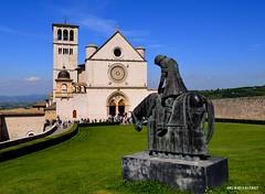 Assisi Umbria (Arcieri Saverio) Tags: italy art umbria perugia assisi sanfrancesco fede cultura historia nikon d5100 pace religione peace francesco chiara monument santo fratello