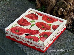 Bright Red Poppy Box (Smile Arty) Tags: gift present vintage handmade decoupage crafts arts diy red poppy box