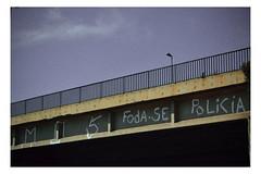 (isabellipontes) Tags: fuck off foda se fodase fuckoff city cidade pixe pixar graffit sky céu colors azul color cores cor piche pichar pitch sp são paulo br brasil brazil policia police