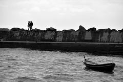 je t'aime (pianlux) Tags: jetaime liguria monterosso 5terre mare barca galleggia molo amore bw biancoenero ombre dicono