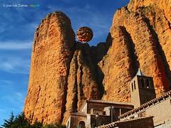 Los Mallos de Riglos (josé luis Zueras) Tags: airelibre mallos riglos huesca aragón españa naturaleza montañas escalada joséluiszueras olympuse500 paisajes rutas