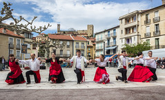 Ballets de Pasqua a la Catalunya Nord (ancoay) Tags: conflent frança dance cerdanya ballets pasqua paques tradicions tradicional catalunya nord traditionnel vernetlesbains terradelsol canon600d ancoay 7dwf