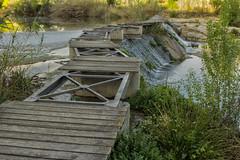 Puente (cazador2013) Tags: puente agua maleza cascada piedras lago
