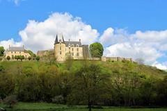 Sainte-Suzanne, un magnifique bourg médiéval de Mayenne. (chug14) Tags: saintesuzanne paysage mayenne villagemédiéval château forteresse village bourg bourgmédiéval