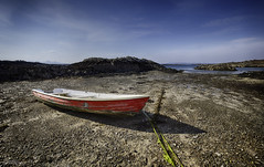 Little Red Boat (Mister Oy) Tags: davegreen oyphotos ©oyphotos arisaig scotland red boat sea coast shore lowtide lochaber beach beached moored mooring tied tiedup bluesky fujixpro2 fuji1024mm