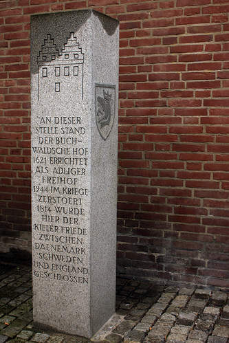 "Stele zum Kieler Frieden • <a style=""font-size:0.8em;"" href=""http://www.flickr.com/photos/69570948@N04/34670502046/"" target=""_blank"">View on Flickr</a>"