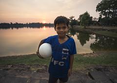 Happier as can be (rodrigocarabajal) Tags: fullframe a7ii a7m2 sonya7ii vollformat cambodia siem reap angkor environmentaportrait portrait variotessartfe41635