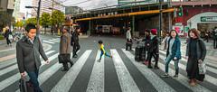 Crossing (Luis Montemayor) Tags: japan japon tokyo crossing road camino street calle kid niño