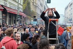 BERLIN - SELFIE LADDER (Punxsutawneyphil) Tags: europa europe deutschland germany alemania berlin kreuzberg fhxb oranienstr street people leute menschen crowd 1stofmay 1mai selfie selfieladder selfieleiter ladder leiter shootingphotos fotos myfest