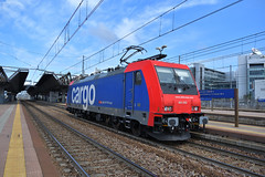 E484.002 SBB Cargo LIS 38103 Milano Smistamento - Cava Tigozzi (simone.dibiase) Tags: e484002 sbb cargo lis 38103 milano smistamento cava tigozzi train station stations rail rails railway railways italy italia france francia loco locos locomotive locomotiva ferrovie dello stato italiane fs mercitalia mrirail mri nikon d3300 dslr camera nikond3300 passion passione trainspotter best picture world simone di biase simonedibiase mir mirrail beautiful pic e189 189 merci impresa ferroviaria treno torino orbassano fascio arrivi partenza transito bombardier trains