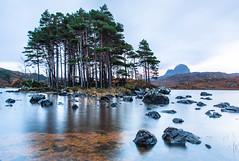 Throwback to Scotland / Reversión a Escocia (toncheetah) Tags: scotland ulapool water sky clouds longexposition stones rocks scottishhighlands