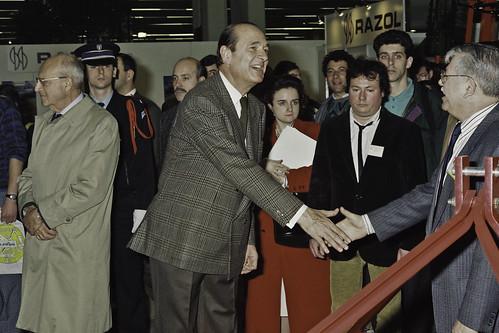 Mr JACQUES CHIRAC au SIA 1990-53-cliche Jean Weber