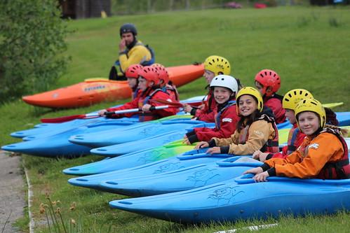 canoe group girls