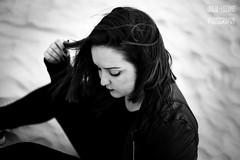 Sonia (Julia L.S) Tags: cadiz puertodesantamaria andalucia playa beach beautiful girl chica portrait retrato shorthair 50mm 50mm18 canon50mm18 blackandwhite blancoynegro