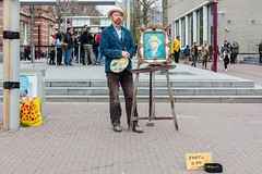 Bij het Van Goghmuseum. (parnas) Tags: amsterdam vangoghmuseum museumplein straat streetphotography